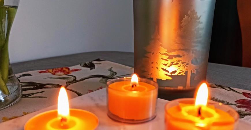 Tealight  inaczej podgrzewacze z wosku pszczelego